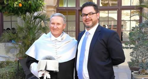 D. Joaquín Oscar Izquierdo, Catedrático de Cirugía Podológica